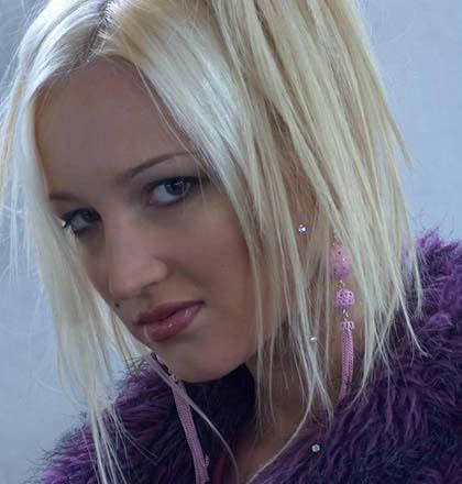 Ольга Бузова: фото с сайта Дом 2: http://a-semenovich.narod.ru/buzova.html